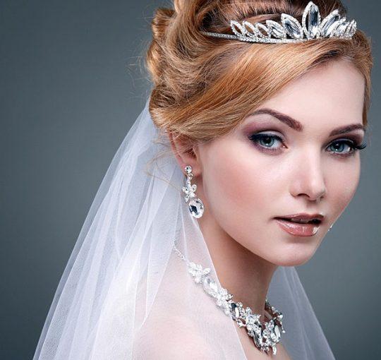 Топ-10 свадебных причёсок