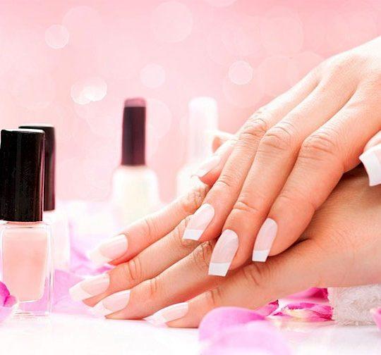 Преимущества профессионального наращивания ногтей