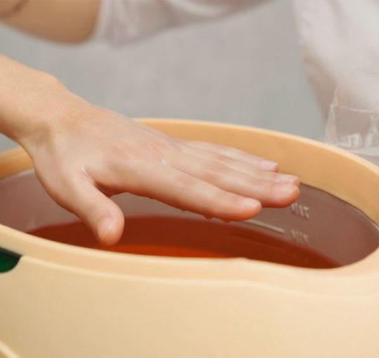 Парафинотерапия для рук в салоне красоты
